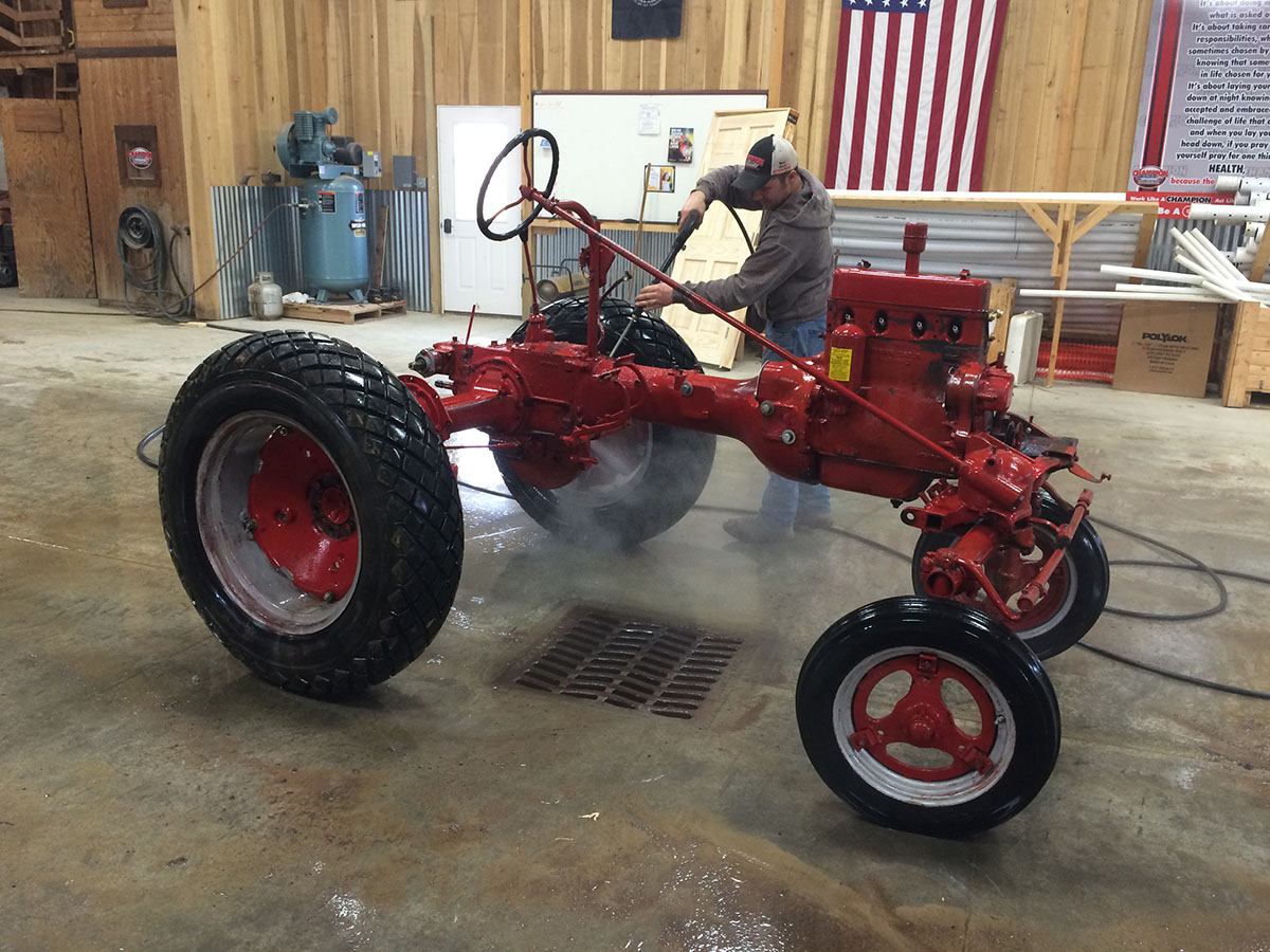 Farmall Cub Ace + Friend